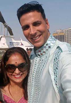 Leena Juvekar Duttagupta with actor Akshay Kumar