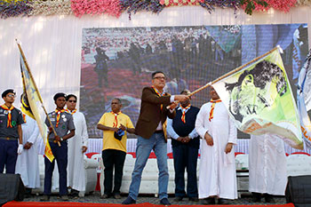 Actor Boman Irani flags off the Boscoree Peace Rally