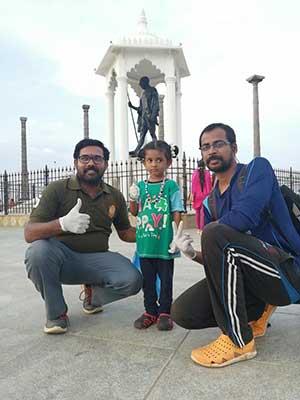 Kandha Kumaran with the youngest volunteer