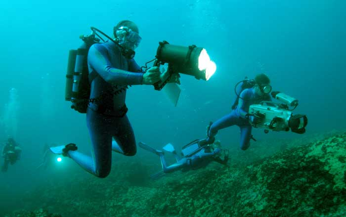 Oceanographers mapping the ocean floor