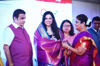 Being felicitated as jury for Womennovator 2019-'20, in the presence of Shri. Nitin Gadkari, Minister for Road Transport & Highways of India and MSMEs, Government of India