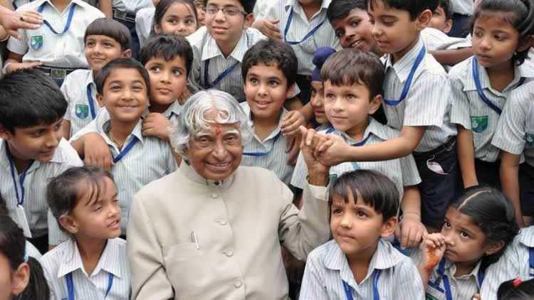 Abdul Kalam with school children